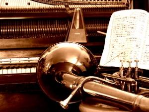 http://es.scribd.com/doc/97228559/Pervivencia-de-las-escuelas-en-la-ensenanza-de-la-tuba-Hugo-Portas-2011