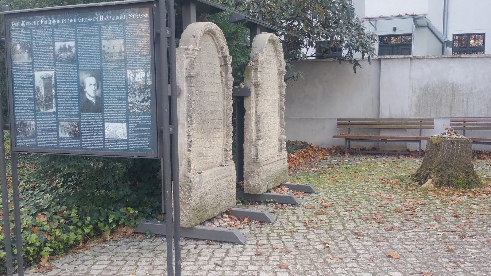 Jewish Cemetery At Grosse Hamburger Strasse In Berlin Germany Samuel Gruber S Jewish Art Monuments Germany Berlin S Old