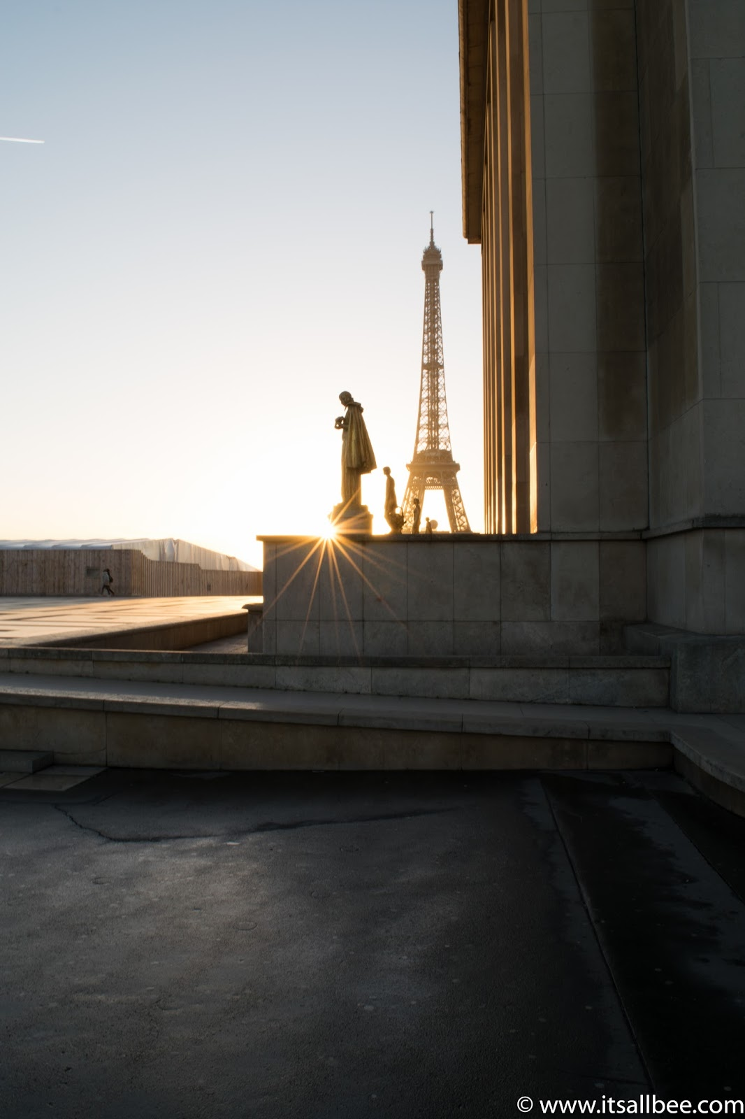 Sunrise at Trocadero Paris. Photo by Bianca www.itsallbee.com