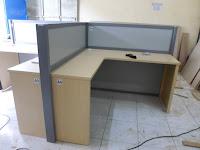 Meja Sekat Partisi Kantor Mudah Bongkar Pasang Sendiri Cubicle Workstation Full Knockdown Produksi Furniture Kantor Bongkar Pasang Produksi furniture kantor cepat dan tepat waktu