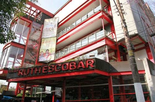 O teatro Ruth Escobar foi fundado em 1963 na Rua dos Ingleses em São Paulo,  Brasil. O teatro leva o nome da atriz e antiga proprietária do terreno onde  foi ... 523ad0a8ce