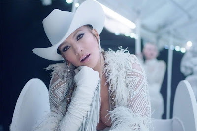 Jennifer Lopez Unleashes New Carnival-Themed Musique Video For 'Medicine'!