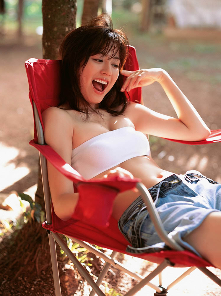 yumi sugimoto sexy bra and panty photos 03