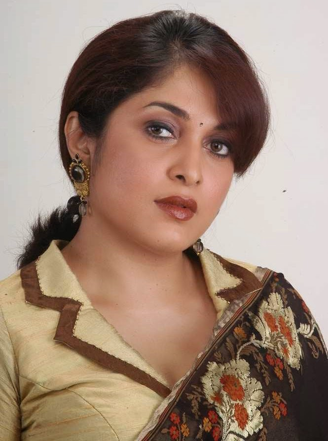 Gusa Gusa Ramya Krishna Hot Pics-7444