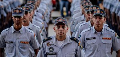 Ministério Público quer que policiais paguem indenização a assaltantes presos