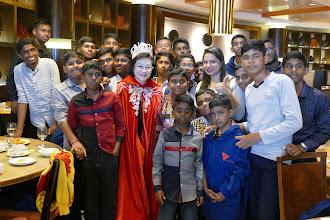 Sebuah parti Krismas bertemakan Harry Potter telah dianjurkan oleh Resort World Genting bagi menyambut 300 kanak-kanak kurang bernasib baik