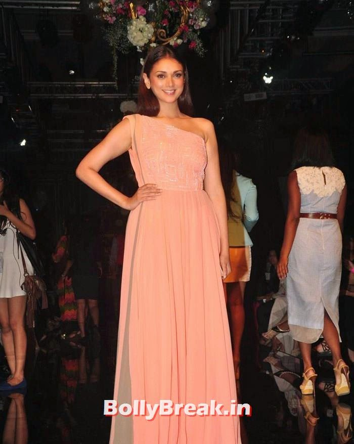 Aditi Rao Hydari, Pics of Manish Malhotra Show at Lakme Fashion Week 2014