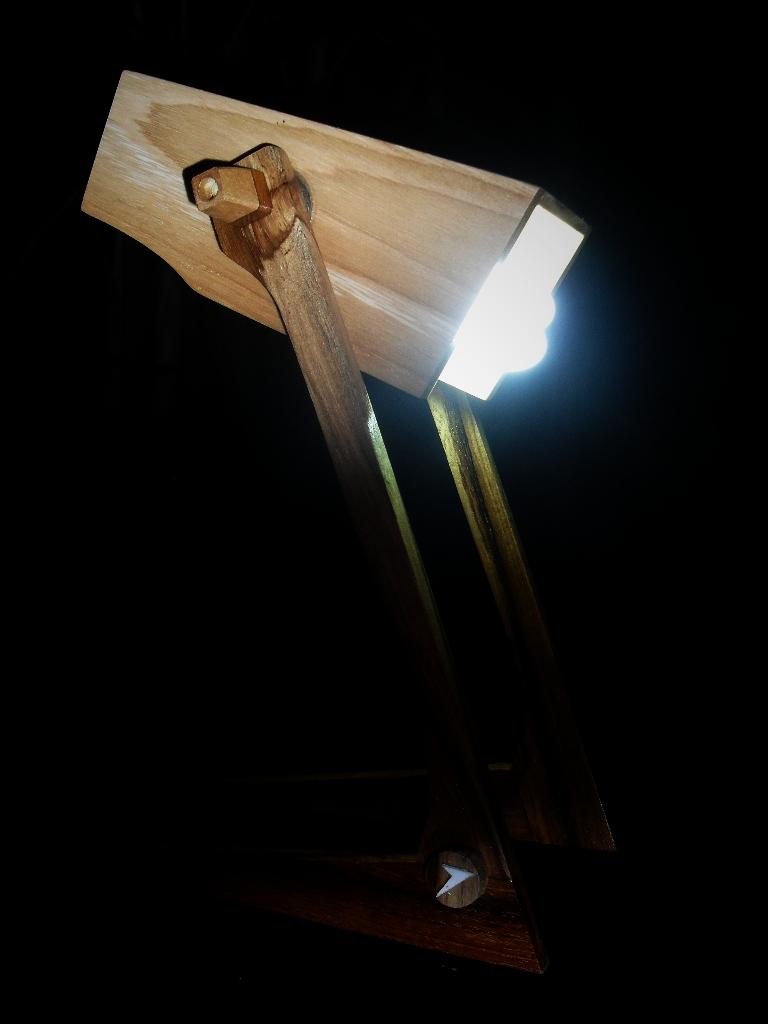Lampu Belajar Dari Kayu Bekas  Majalah Rumah