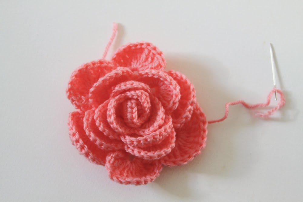 crochet rose, crochet pattern, Anne Butera, My Giant Strawberry