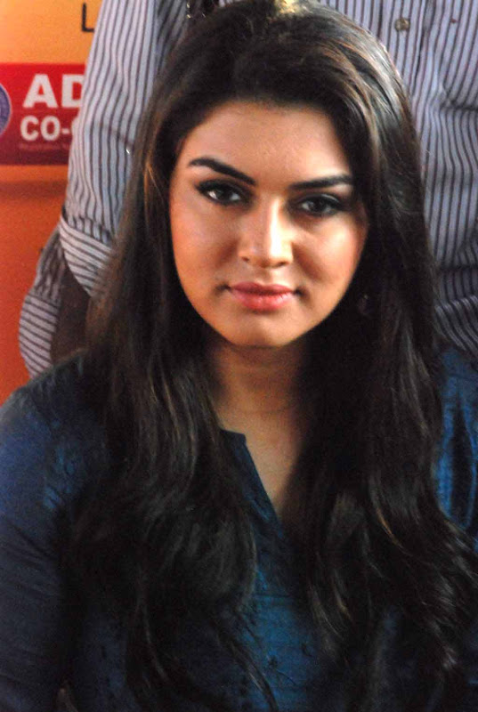 Hansika at restaurant launch program