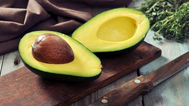 Alimentos que debes comer si quieres reducir las estrías