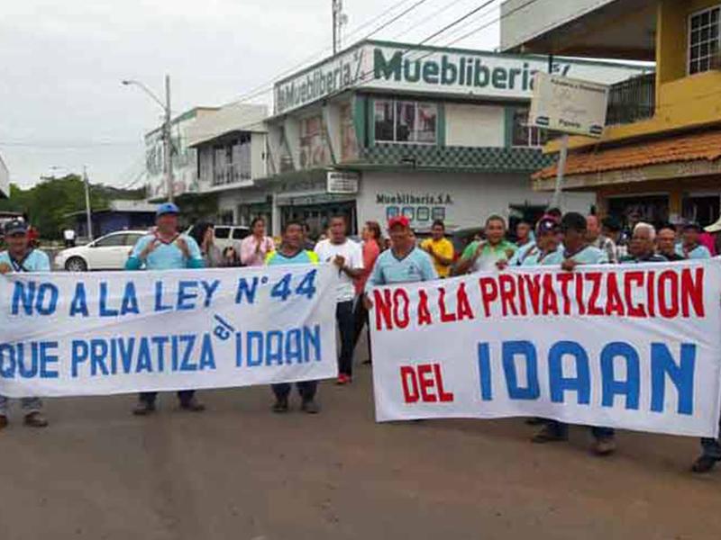 Peligros de privatización del agua en Panamá