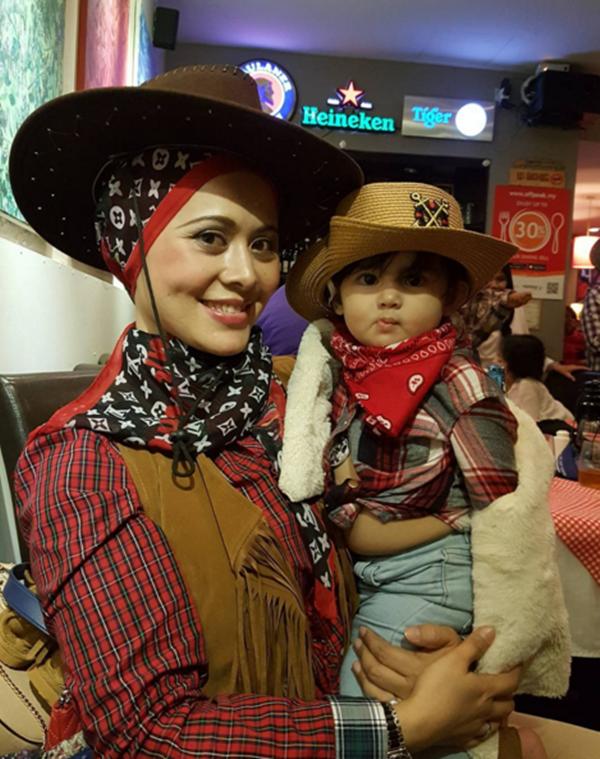 MENARIK! Gambar Aaisyah Dhia Rana Tampil Bergaya Sakan Ala Cowboy Di Majlis Hari Lahir Zain Saidin... COMEL!!