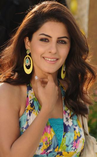 Little Google1 Modern Nail Art: Little Google1: Isha Talwar Hot Bikini