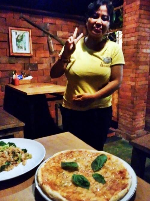 サヌールの路地裏にある隠れ家的ピザ店☆Warung Papa Pizza