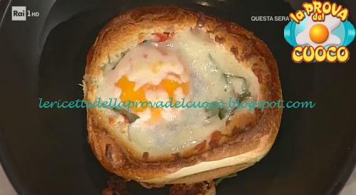 Cocotte di pane uova e pancetta ricetta Mainardi da Prova del Cuoco