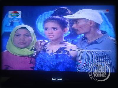 Putri Balikpapan  Academy 4 (DA4) Indosiar   dan kedua orangtuanya