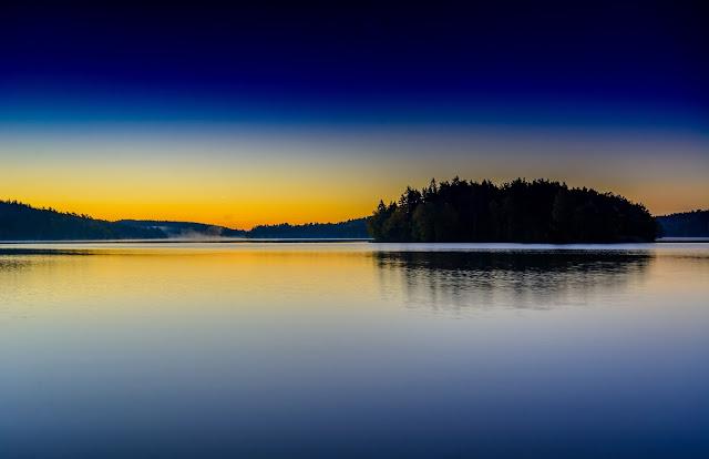 alba sul lago delsjön di Göteborg, svezia