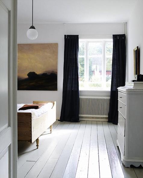 Hege Greenall-Scholtz: Floor Length Curtains