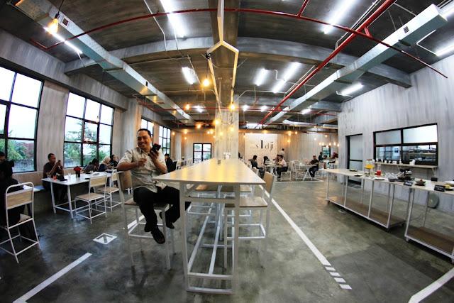 The Sidji Kitchen and Dine: Industrial Design Restaurant di Jogja Barat
