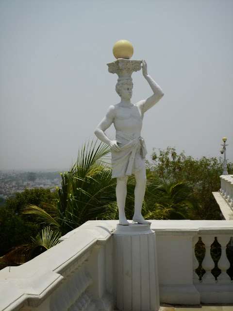 Falaknuma Palace Images: Sculptures on the terrace