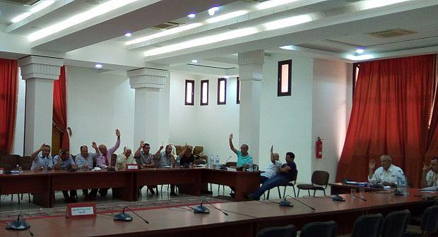 تارودانت: الاستقلال والبام يؤجلان حلم تلاميذ الاقليم بالحصول على النقل المدرسي