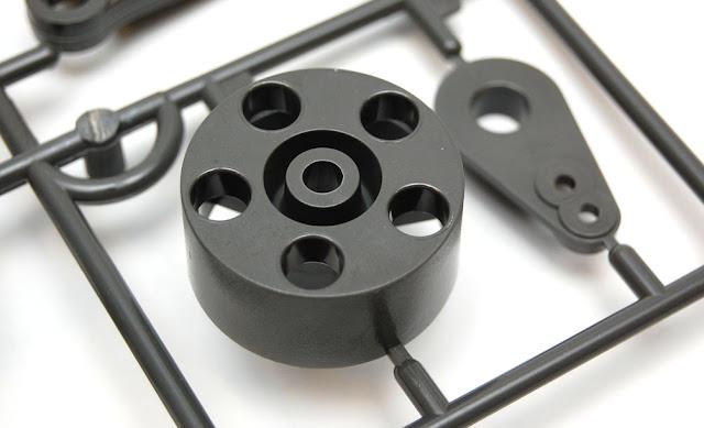 Tamiya TXT-1 wheel hubs