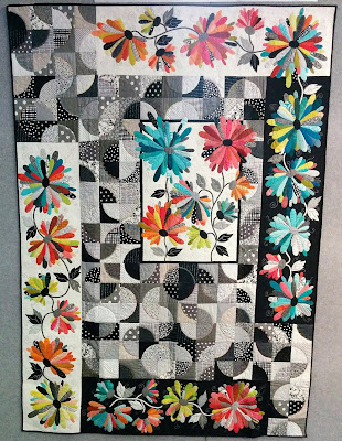 Creates Sew Slow: Creative Construction - Daisy Paths Again by Deborah Louie
