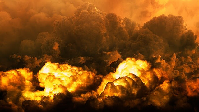 ledakan dasyat akibat bom