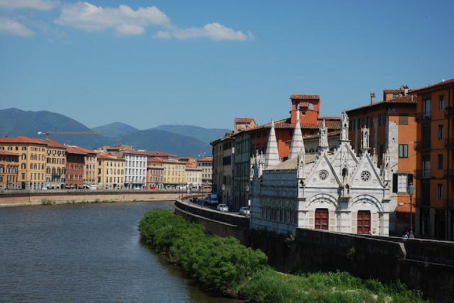 Baptistery: Pisa