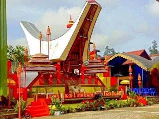 Dekorasi Pelaminan Pernikahan Toraja