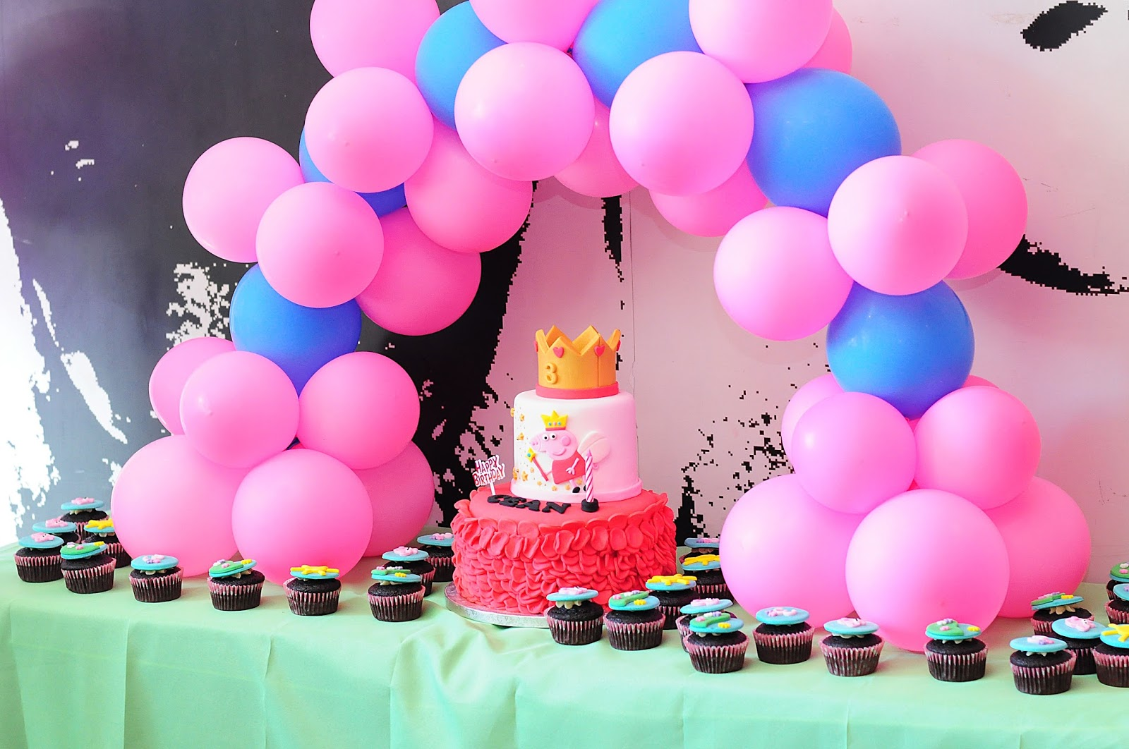 Blahblahblogchef Baby C S Peppa Pig Themed Party At Mcdonalds