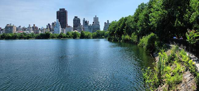 Central Park Reservoir by Central Park Rickshaw Tours