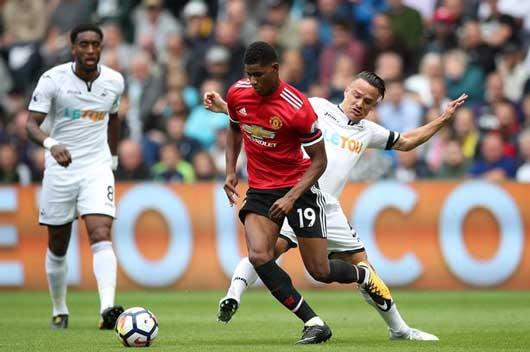 Rashford bị la ó, Mourinho nghĩ cách giải vây