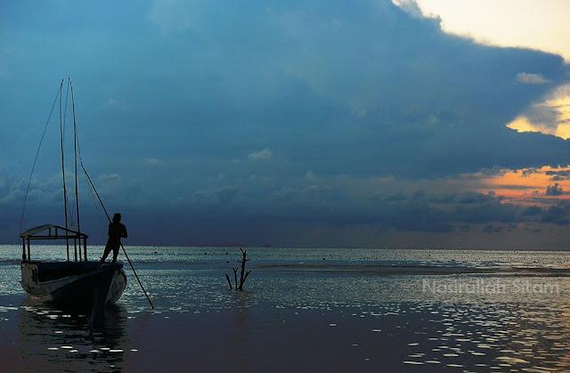 Suasana senja di pantai Karimunjawa