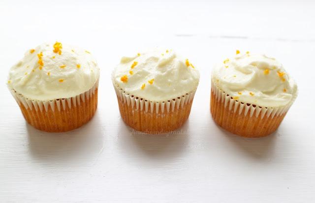 recept wortel taart, taart met wortels, worteltjes cupcakes, bakken voor paasontbijt, paasontbijt school, paas traktatie, traktatie pasen, de lekkerste worteltjes taart