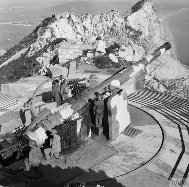 Coastal gun at Gibraltar, 4 January 1942 worldwartwo.filminspector.com