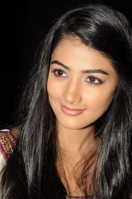 Pooja-Hegde-Wallpapers
