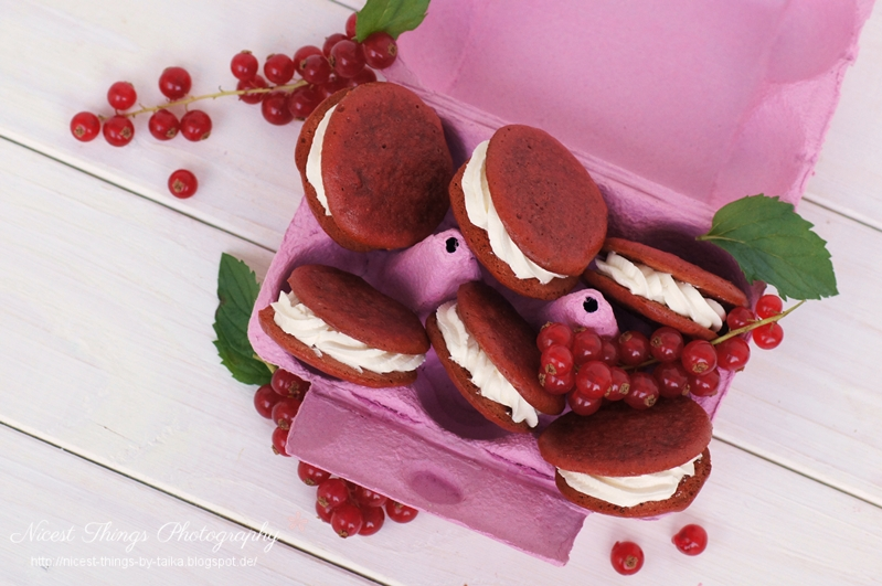 red velvet whoopie pies nicest things. Black Bedroom Furniture Sets. Home Design Ideas