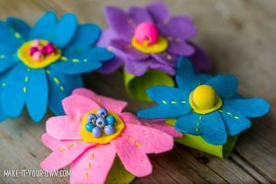 Cincin serbet bentuk bunga dari kain felt