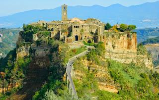 Amazing Italian Ghost Town: Civita di Bagnoregio