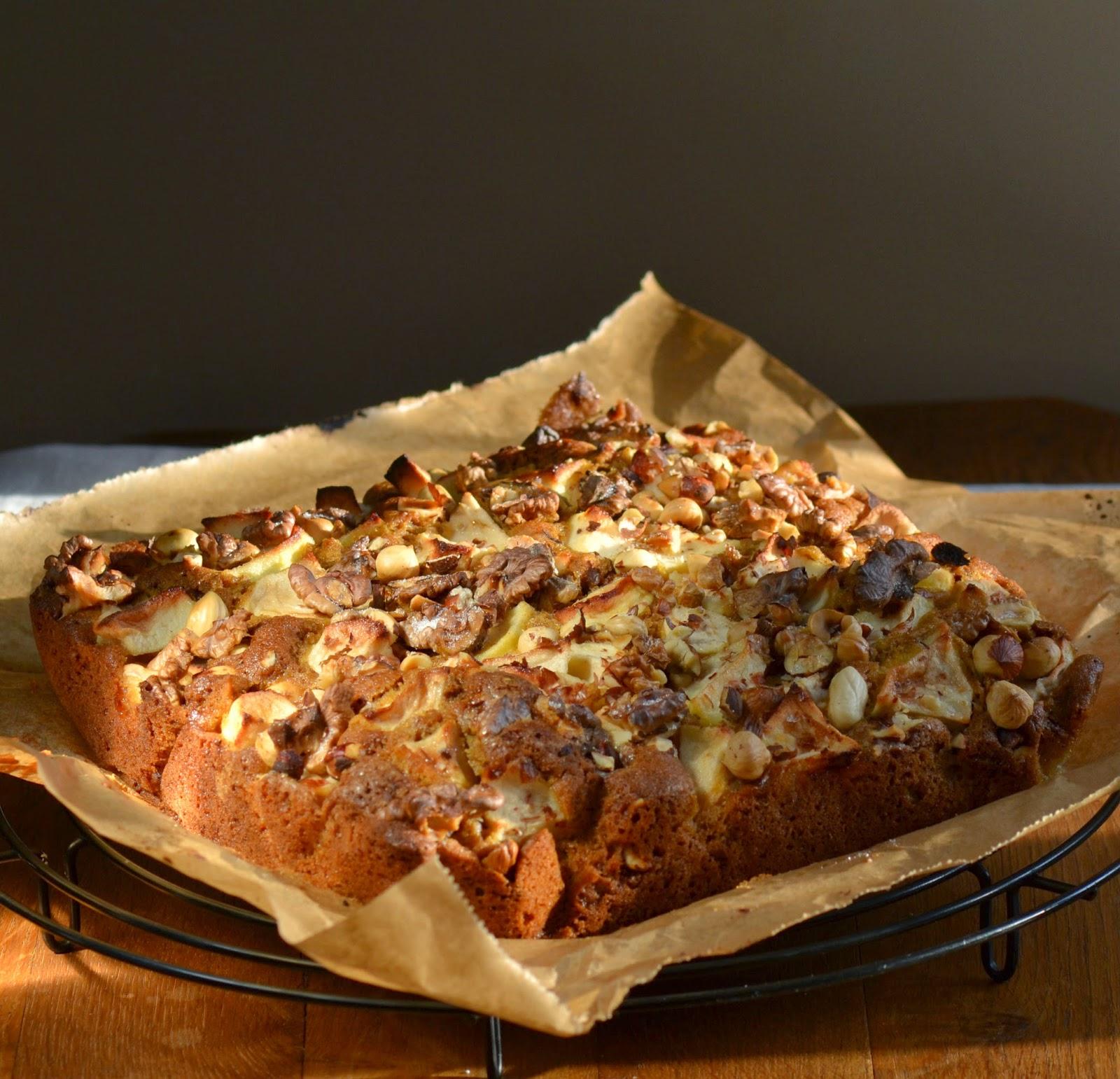 Zin in notencake met appel? Lekker recept voor makkelijke appel-notencake.
