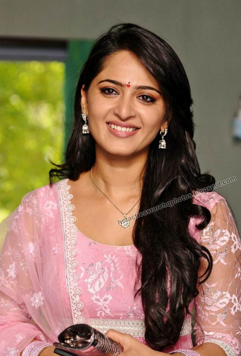 Hot Indian Actress Rare HQ Photos: Telugu Actress Anushka