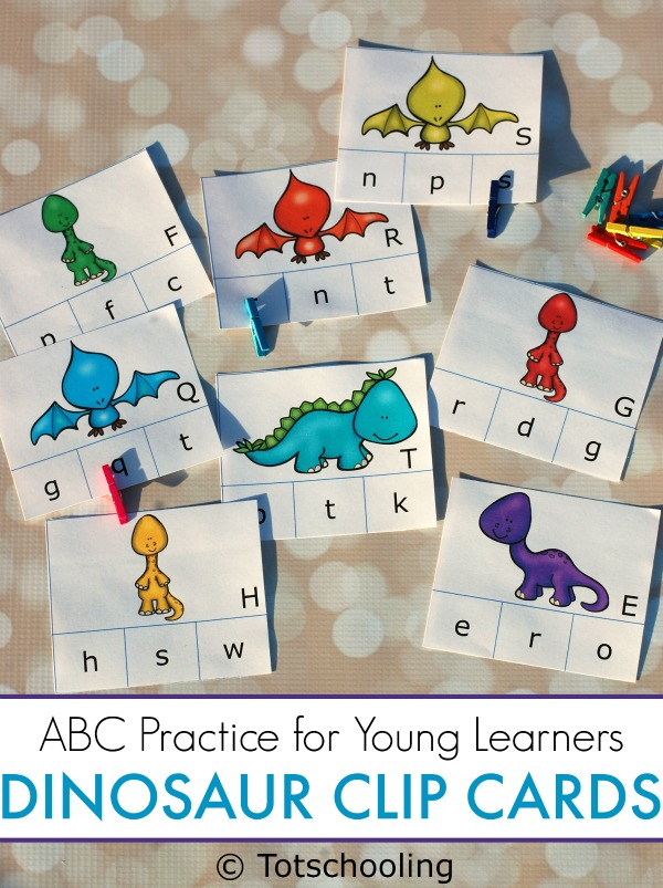FREE printable Dinosaur themed clip cards for preschoolers to match uppercase and lowercase letters. Great for preschool alphabet recognition, learning letter cases and fine motor skills!