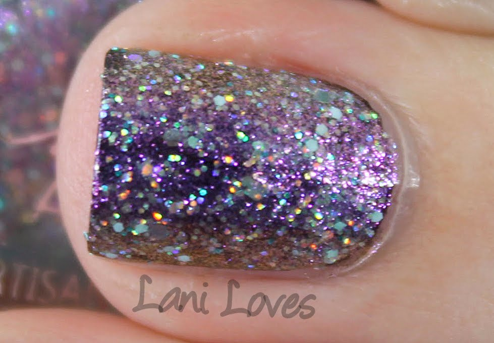 Femme Fatale Cosmetics - Mirror, Mirror on the Wall nail polish swatches & review