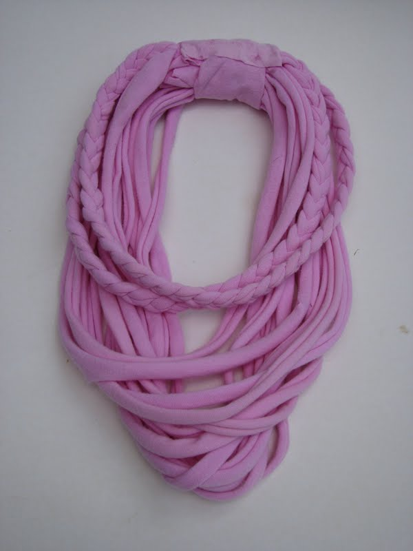 The Simple Craft Diaries: No sew T-shirt scarf necklaces