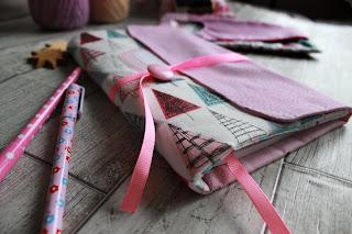 текстильный комплект для рукодельницы, шитье, настроение своими руками,  подарок для девушки,  текстильный блокнот,  мягкий блокнот, блокнот рукодельный,  принцесса,  пенал для крючков, органайзер для спиц крючков.