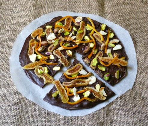 cioccolato fondente con frutta secca