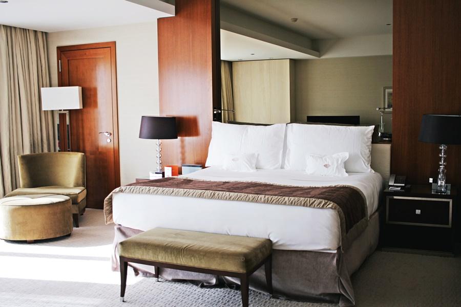 HOTEL SUITE TRAVEL