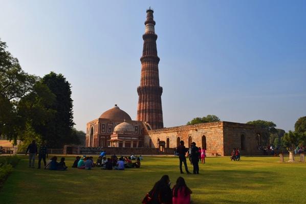 Wisata Menara Qutub, India